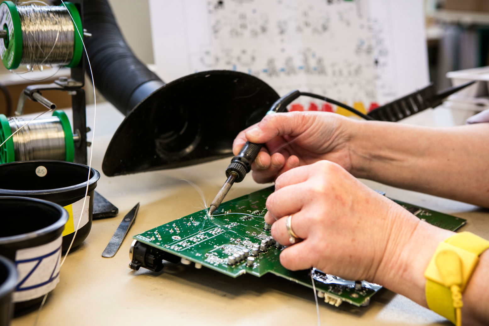 Printed Circuit Board Assembly A2e Engineering And Quick Turn Prototyping